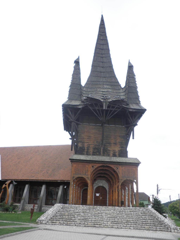 Gemeindezentrum Kakasd Turm